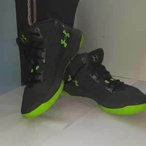 Under Armour Shoes - Neon Green and grey basketball shoes